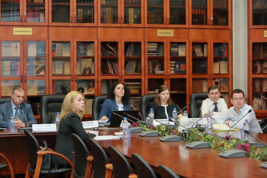 К работе по проведению независимой антикоррупционной экспертизы НПА в сфере предпринимательской деятельности подключились все федеральные округа России